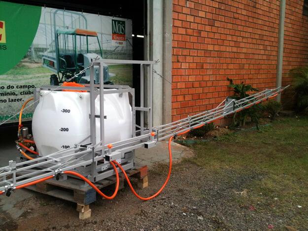 Maquinas-Agricolas-Pulverizador-Agrovec-02